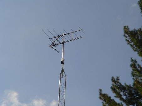 HD Stacker antenna with Rohn residential tower